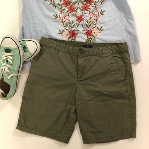 GAP Boyfriend Shorts in Green